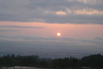 「越後信濃川と夕日」と「雲海」