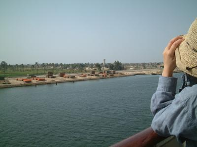 スエズ運河を船でゆく~第39回ピースボート地球一周の船旅~