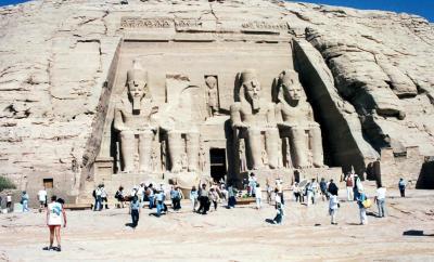 エジプト? 「アブシンベル」(アブシンベル大神殿、小神殿)
