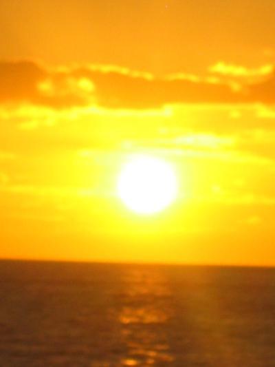 MAUI ? サンセット・クルーズ・・太陽は海を染めながら・・