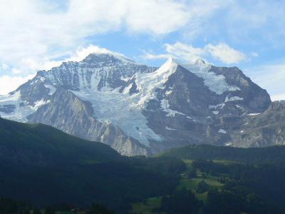 スイス旅行ハイライト写真速報【34】眼前にユングフラウがデンと構えている