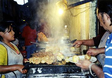 世界の「おいしい食」:アンデス庶民の味「アンティクーチョ」