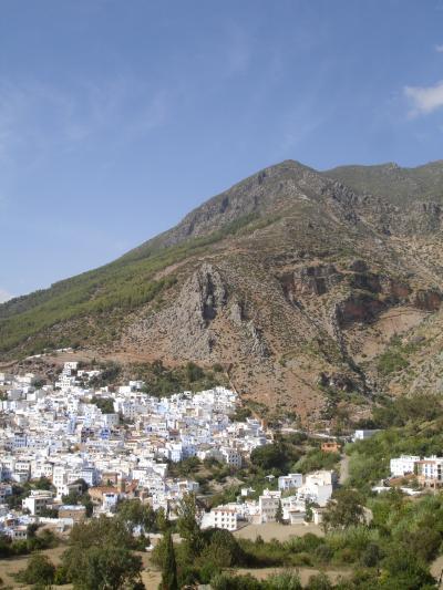 Shafcaouen リフ山脈に青白く輝く町.