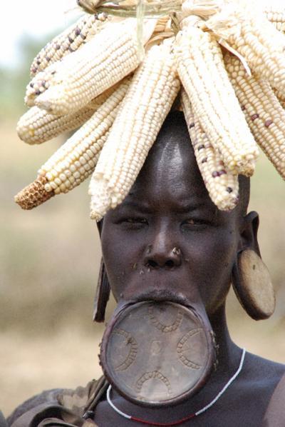 エチオピア南北周遊17日間?ムルシ族