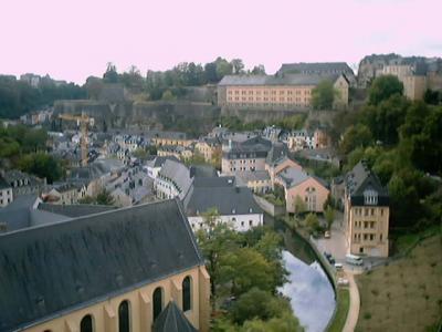 ルクセンブルク:グルント地区の静けさ