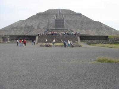巨大なピラミッド都市