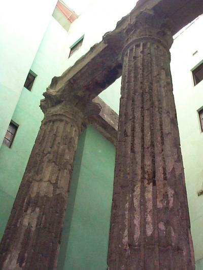 バルセロナ観光:一番古い建物(寺院の遺跡、バルセロナ旧市街)