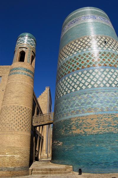 光の変化の中で浮かび上がる世界遺産:ウズベキスタン