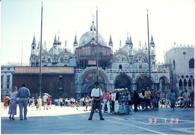 フランクフルト滞在中に訪れた国。 イタリアのフィレンツェ、ベネツィア、ミラノ。