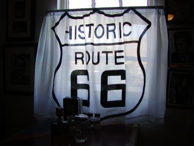 「ルート66」には「ハーレー」が似合いました。