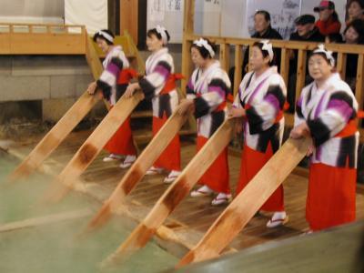 草津温泉・格安ツアーの旅・・・?草津の湯もみを観賞
