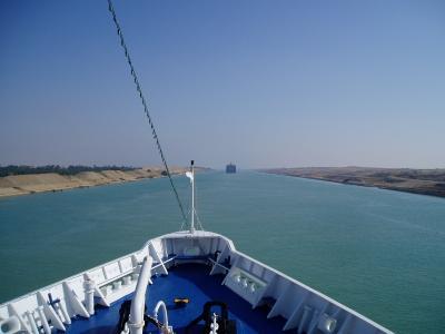 スエズ運河 通過中