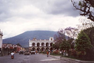 マヤ文明を訪ねてグアテマラシティーとアンティグア。