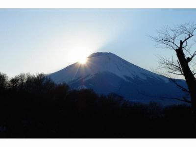 2.エクシブ山中湖 スパ&プール テルメ・サハラ  ナンチャってダイヤモンド富士
