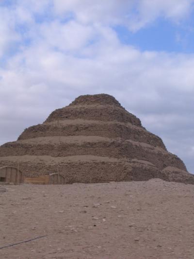 赤・屈折・階段ピラミッドとラムセス(エジプト旅行2日目)