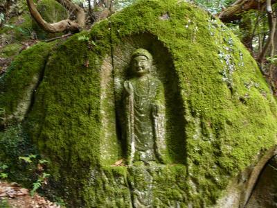 【歴史散歩】 滝坂の道で出会った石仏たち