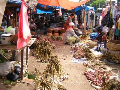 パサールの風景  ロンボク島