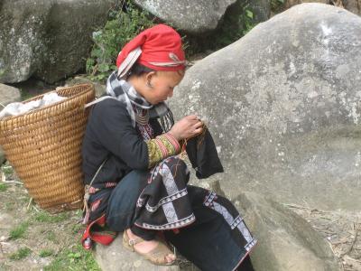 雲南省元陽・ベトナム縦断の旅/6日目[サパの村をバイタクで]
