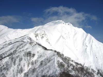 谷川岳−登って山頂、滑って沢へ−