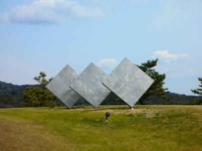 瀬戸内アート紀行(3)~潮風の散策 そして石の里の美術館へ