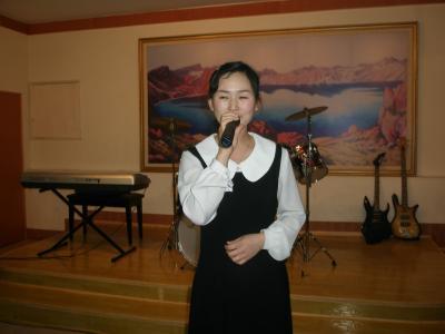 延吉 フレンドリーな北朝鮮美女が集まる海棠花(ヘダンファ)
