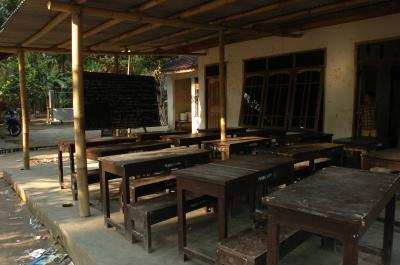 壁のない教室  ロンボク島