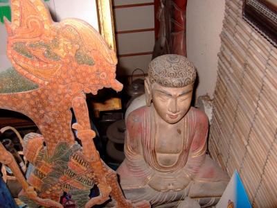 仏像  ロンボク島
