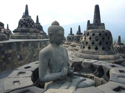 インドネシアの旅(1)~ボロブドゥール~