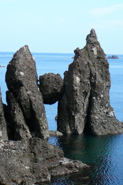 山陰海岸国立公園と天橋立観光:はさかり岩、淀の洞門等