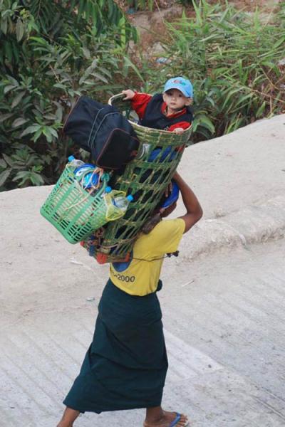 ミャンマー旅行記 -チャイティーヨ&バガン- 2