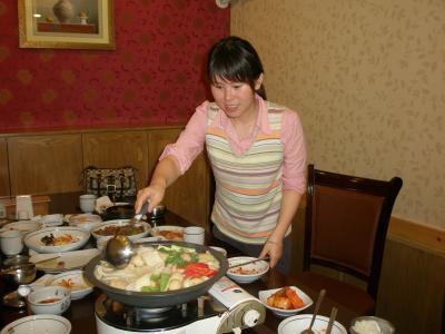 延吉 韓国チェーン店で韓定食を食べる