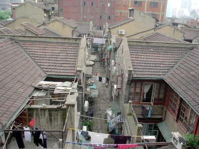 上海: 「息も絶え絶えの下町を見た」
