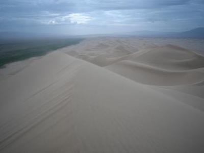 初モンゴルで南ゴビへ