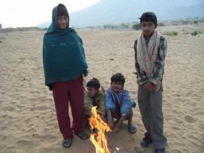 プシュカル朝の砂漠ツアー