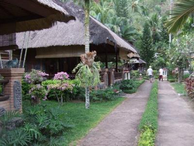 ロンボク島のホテル   プリマス・ヴィレッジ