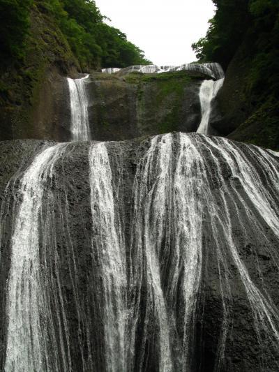 名瀑・袋田の滝 ☆迫力のスケール・山里に轟く木霊