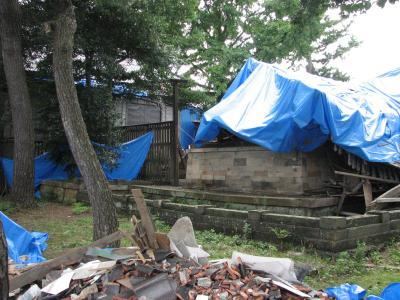 中越地震の生々しさを見る その?柏崎神社等の倒壊