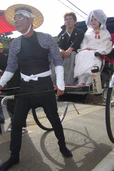 ちいさなお祭り 「狸の婿入り行列」 (白根・臼井地区)