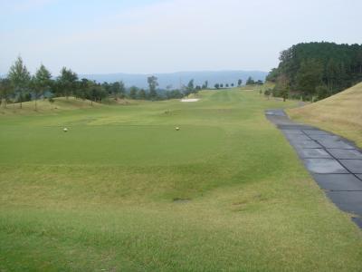 朝食付き・昼ごはん付き・温泉付き贅沢ゴルフが、安いんです!