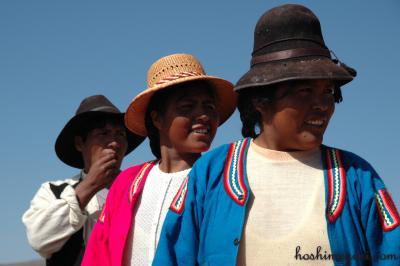 伝統守るペルーのチチカカ湖−浮島・ウロス島