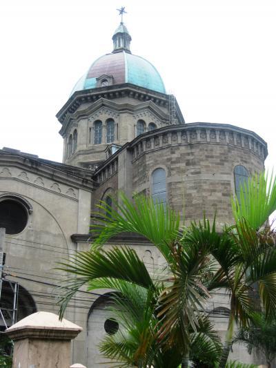 2007秋、フィリピン旅行記1(13):10月31日(6)マニラ・マニラ大聖堂、ステンドグラス