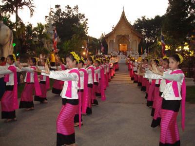 チェンマイ滞在 2007 11/8(木) Day 3: 僧衣献納式前夜祭の日