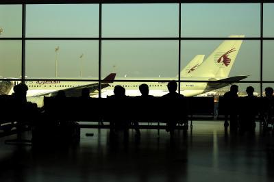 ドーハ国際空港(旧=移転済)は2階が快適!
