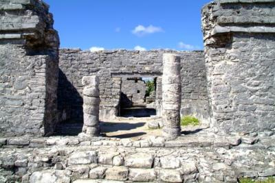 マヤ文明最後の遺跡トゥルム。