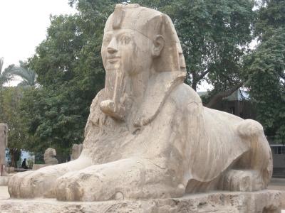 2007秋、ギリシャ・エジプト旅行記(23):12月3日(4)ダハシュール・屈折ピラミッド、赤ピラミッド、メンフィス遺跡