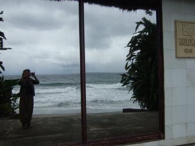 マジックミラ−  海岸に面したスパ  ロンボク島
