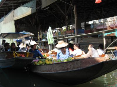 Klong ladplee Floating market