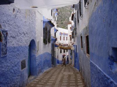 白と蒼のコントラストが一体となってメルヘンの世界を造る街・・・シャウエン