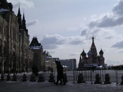 早春のモスクワで氷柱に刺される・・・!?