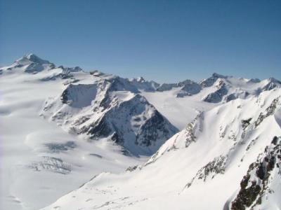 チロルでスキー・ゼルデン